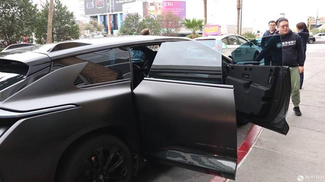 """贾跃亭""""皇帝的新车""""-法拉第FF91上路体验"""