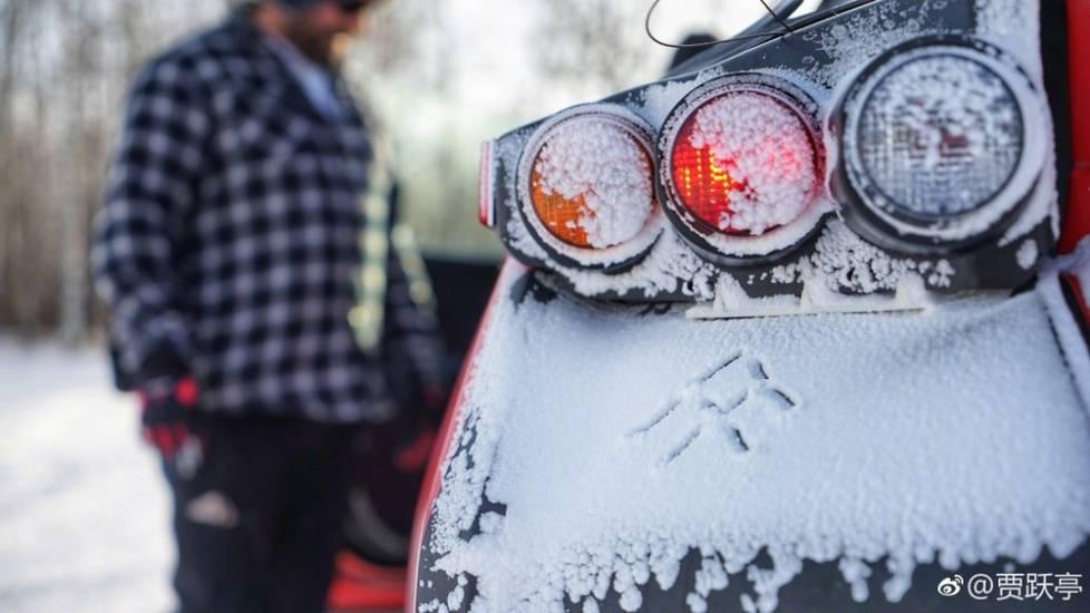 贾跃亭美国高寒雪地晒FF91 车身涂成中国红上市在即