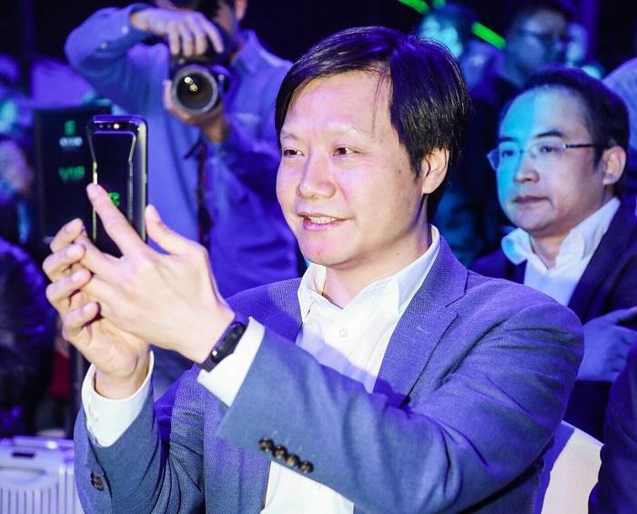 """""""吃鸡""""4小时不充电 小米投资的黑鲨游戏手机发布 售价2999元起"""